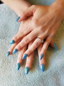 chrome_polish_nails_theupperhanddayspa