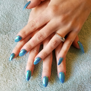 chrome_powder_manicure_theupperhanddayspa